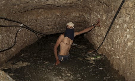 Gaza tunnel flooded by Egypt