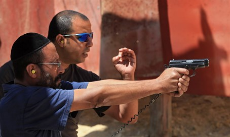 Israeli man at a shooting range (file)