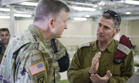 Israeli and American military commanders during Juniper Cobra exercise