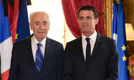 Shimon Peres with French Prime Minister Manuel Valls