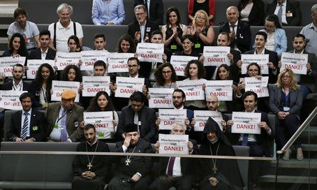 "Armenians say ""thank you"" in German parliament for genocide recognition"