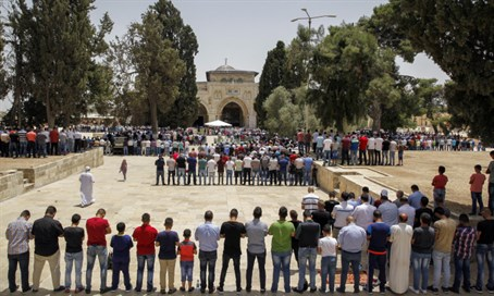 Ramadan prayers on Temple Mount