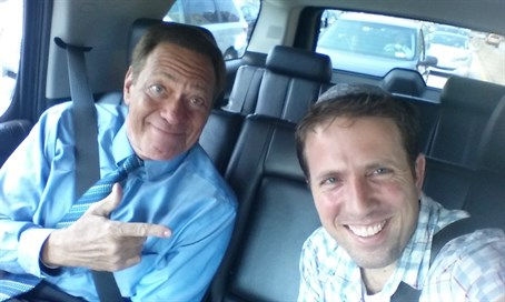 Joe Piscopo (L) with Arutz Sheva's Yoni Kempinski