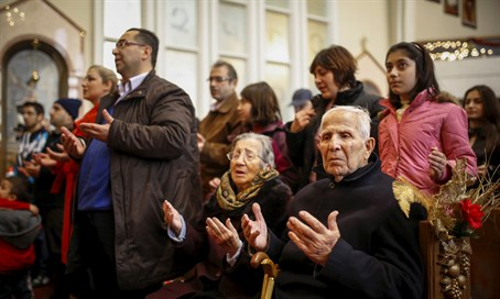 Armenian refugees from Syria attend church service (file)