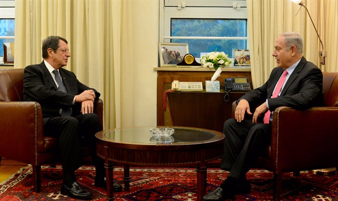 Netanyahu meets the President of Cyprus