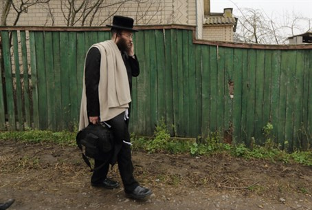 Man in chassidic garb - illustrative