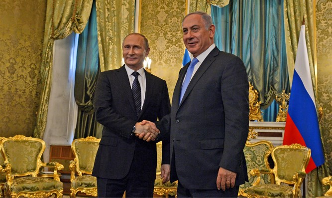 Netanyahu and Putin meet at the Kremlin