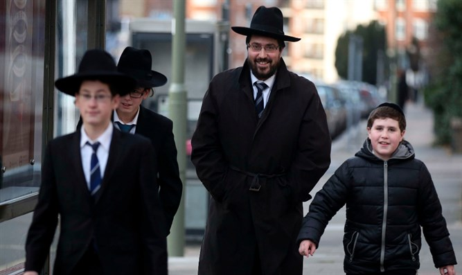 Haredi Jews in London, 2015
