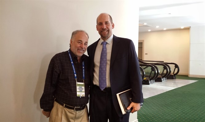 Baseball writer Dan Schlossberg with former Atlanta Brave and Hall of Fame pitcher John Sm
