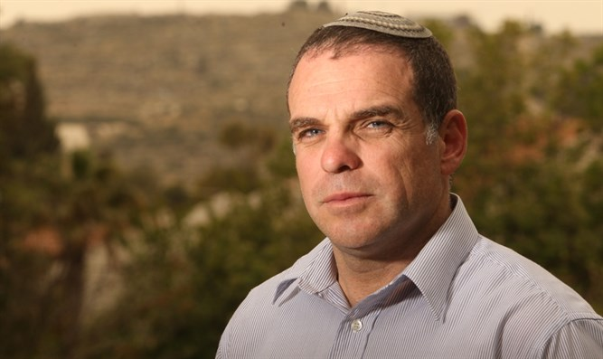 Efrat Mayor Oded Revivi
