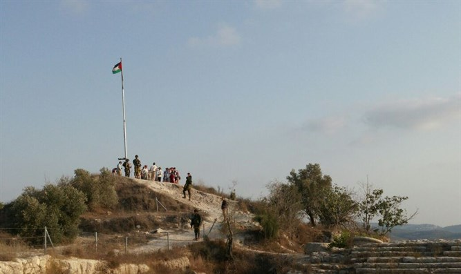 PLO flag waving at Sebastia National Park
