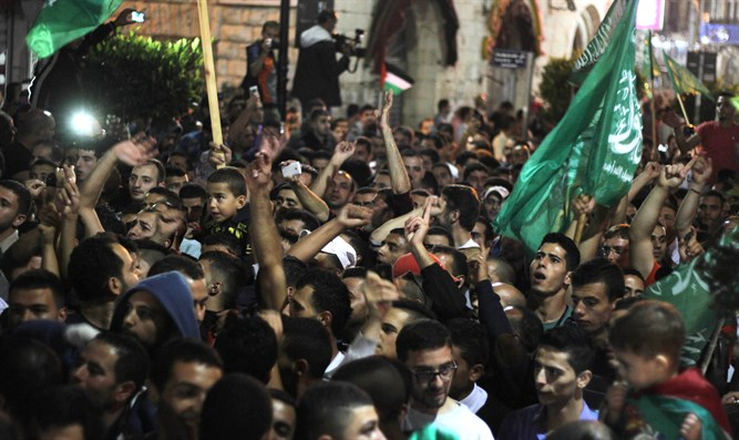 Hamas rally in Ramallah (archive)