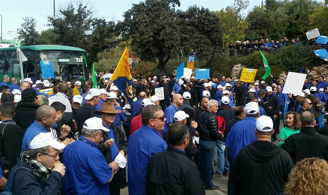 Egged bus drivers protest