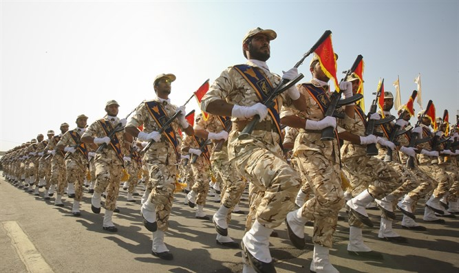 Iranian Revolutionary Guard soldiers