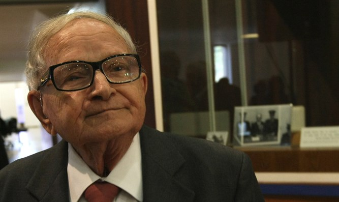 Mossad agent who led Eichmann capture dies at 92