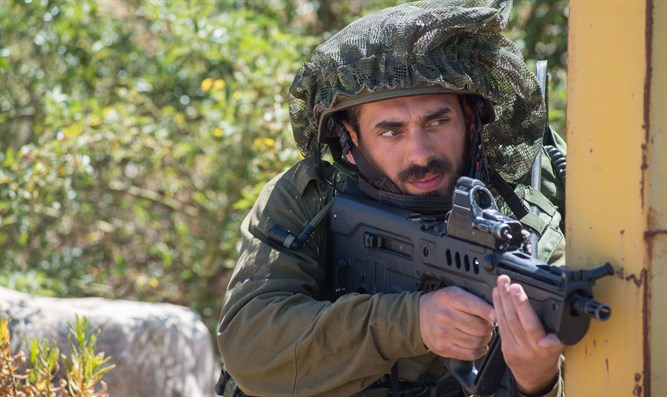 IDF soldier on Lebanese bordder