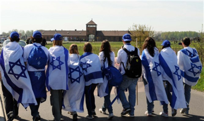 Israeli Education Minister to Visit Poland Amid Holocaust Bill Crisis