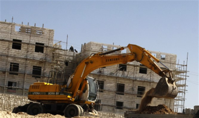 Building in Efrat