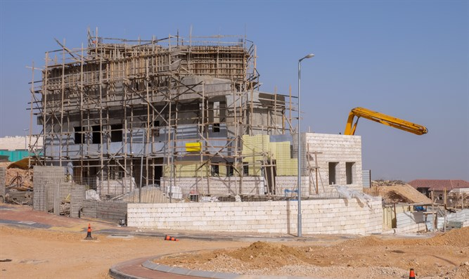 Construction in the town of Efrat