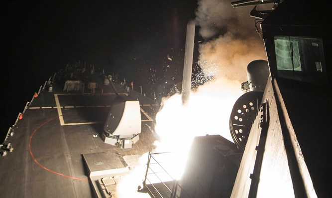 USS Ross fires Tomahawk missile in Syria strike