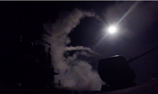 USS Porter fires Tomahawk cruise missiles at Syrian airbase follow gas attack