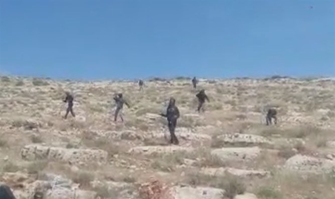 Extremists stone IDF forces