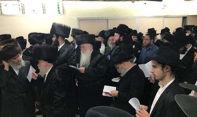 Students of Rabbi Deitsch