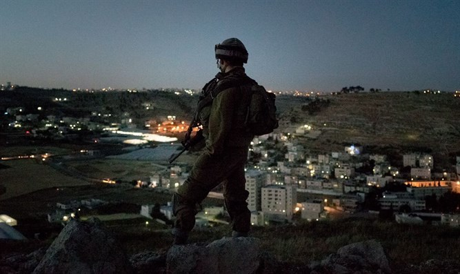 soldier in Hevron