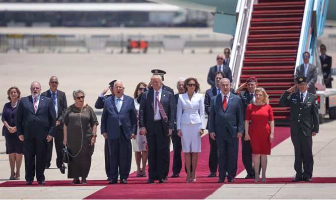 Donald Trump, Israeli leaders meet on tarmac