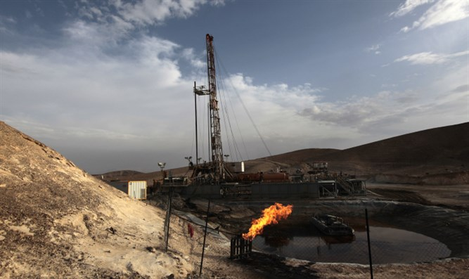 Oil drilling in southern Israel