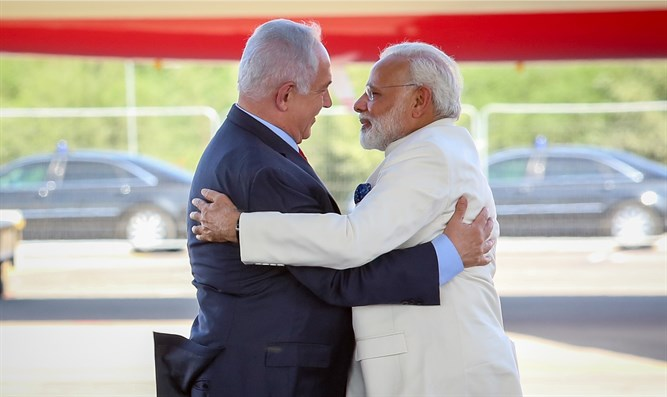 Indian PM Narendra Modi and Israeli PM Binyamin Netanyahu
