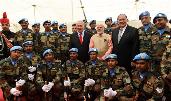 PM Netanyahu, Indian PM Modi, Haifa Mayor Yona Yahav, and Indian soldiers