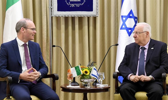Israeli President Reuven Rivlin with Irish Foreign Minister Simon Coveney