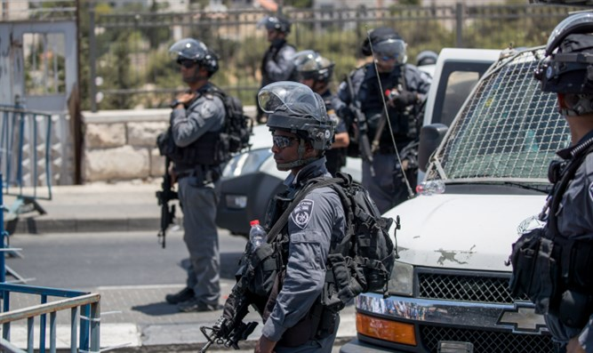 Police officers in eastern Jerusalem