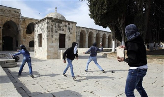 Muslims on Temple Mount