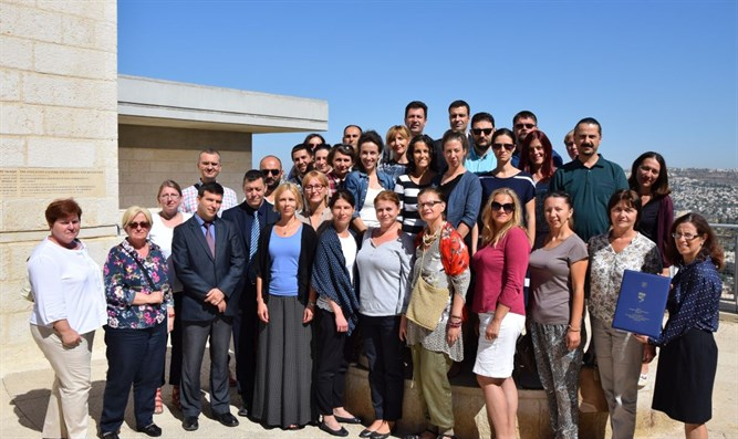 Dr. Eyal Kaminka and Dr. Aleksandar Pajic together with Serbian teachers at Yad Vashem