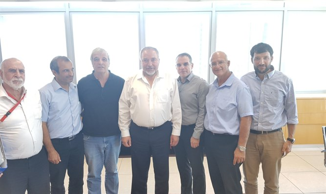 Yesha Council members meet Liberman