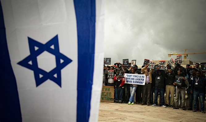 Africans demand 'rights' outside Supreme Court in Jerusalem