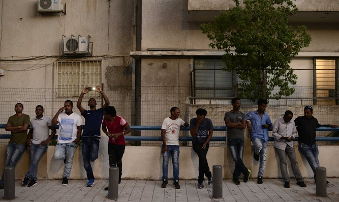 Illegal immigrants in southern Tel Aviv