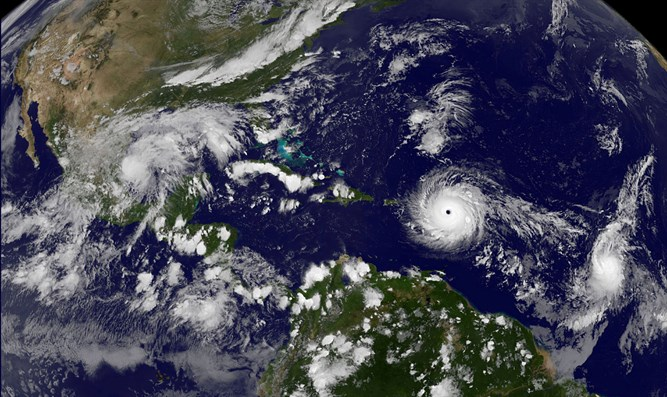 Hurricane moves across the Atlantic Ocean