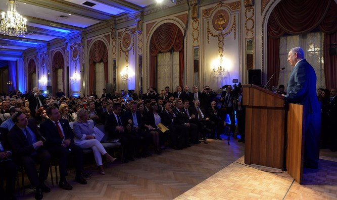 Netanyahu meeting with the Jewish community in Argentina