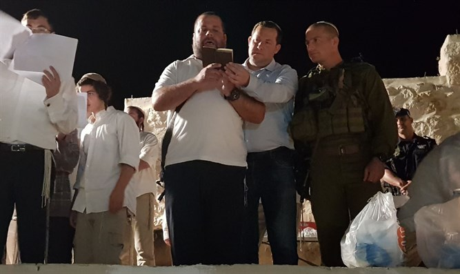 Yossi Dagan at burial place of Aaron's sons, last night