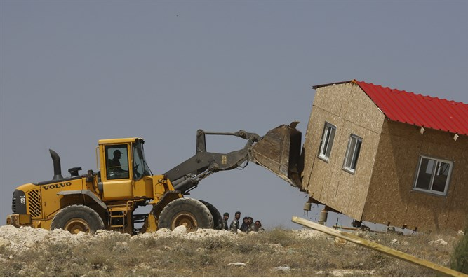 Bulldozer destroys Jewish structure