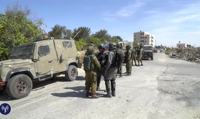 IDF forces operating in the village of the terrorist