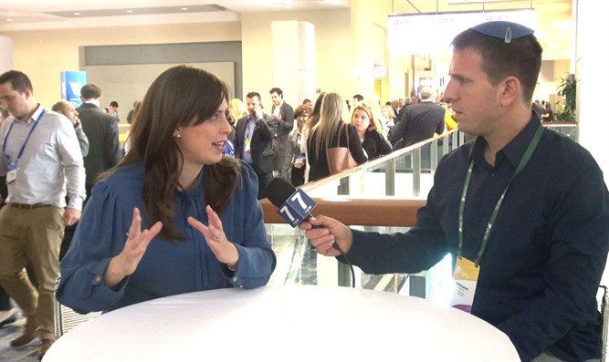 Deputy Minister Hotovely and A7 reporter Yoni Kempinski at IAC conference