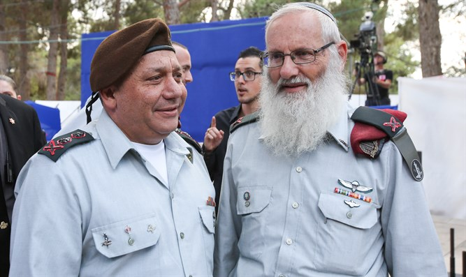 Rabbi Krim (R) and Gen Eizenkot
