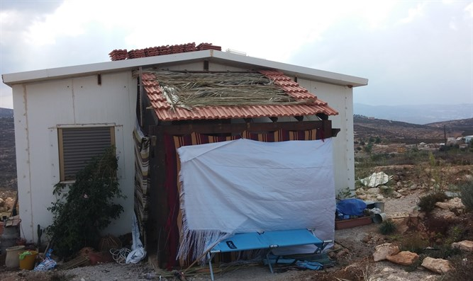 Home at Yishuv HaDa'at