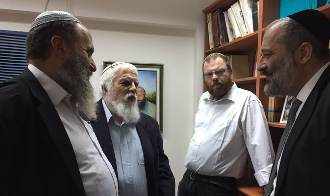 Deri with yeshiva heads
