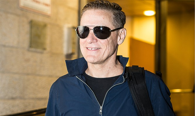 Bryan Adams arrives in Israel