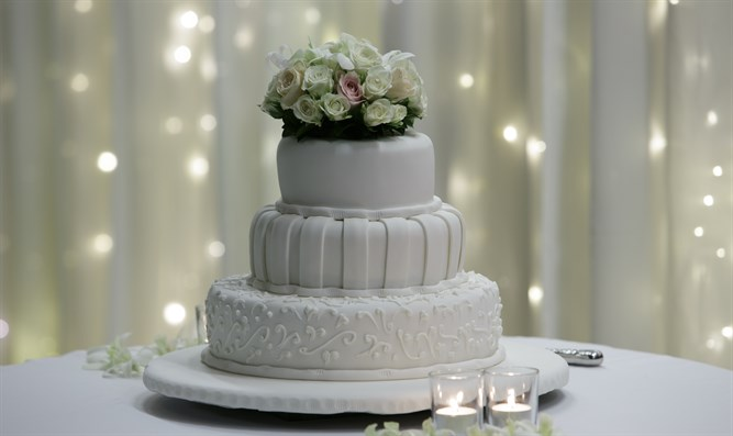 Wedding cake (illustration)